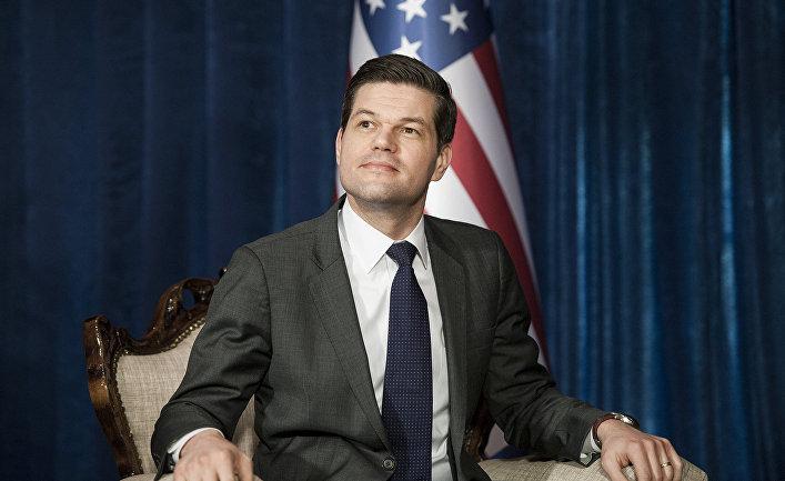 Помощник госсекретаря США по европейским и Евразийским делам Аарон Весс Митчелл