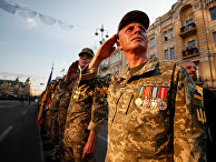 Украинские военнослужащие во время репетиции военного парада ко Дню Независимости
