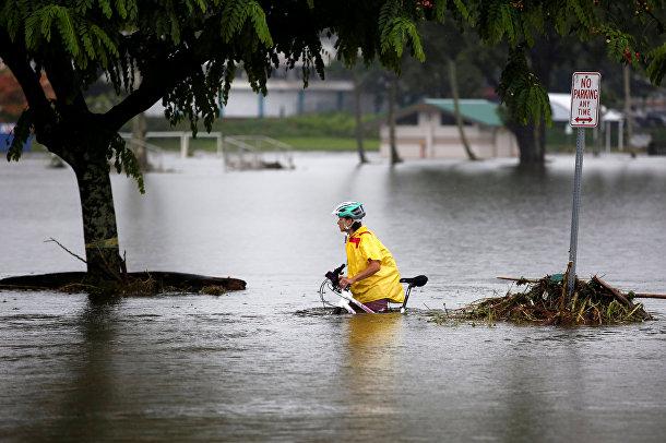 Наводнение, вызванное ураганом Lane на Гавайях