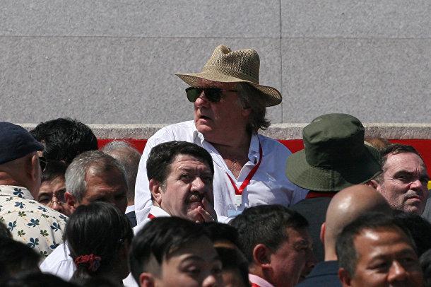 Жерар Депардье в числе гостей на параде в честь 70-летия Северной Кореи