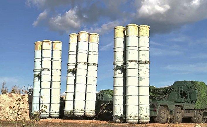 Зенитные ракетные комплексы С-300 на учениях ПВО в рамках манёвров «Восток-2018»