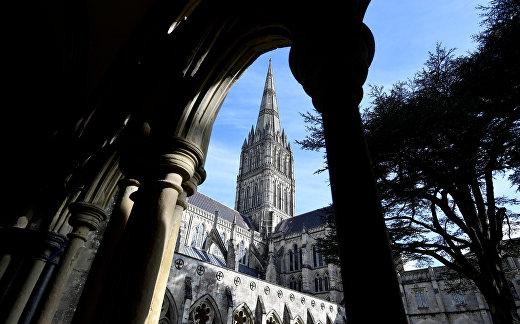Вид на Солсберийский собор в Великобритании