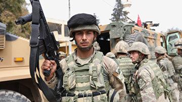 Турецкие солдаты в городе Африн