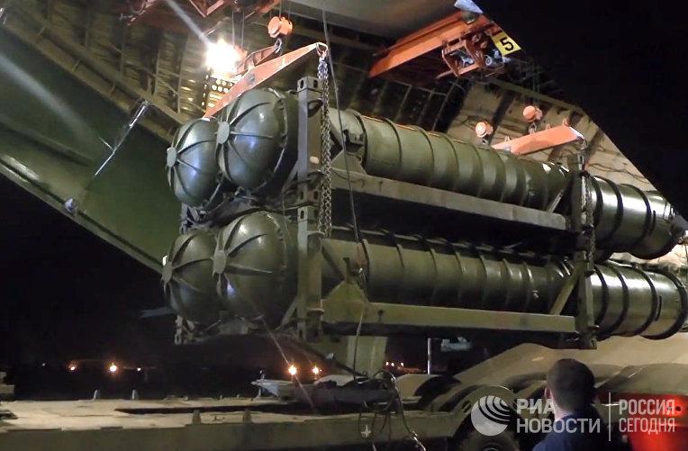 Минобороны РФ доставилo комплексы ЗРК С-300 в Сирию