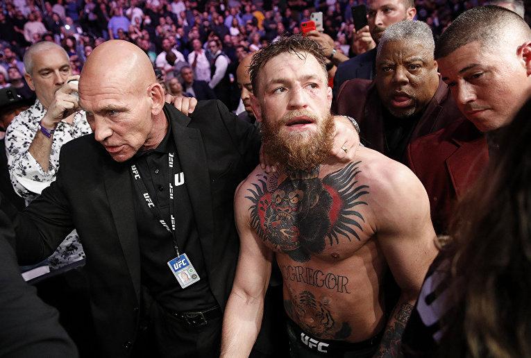 Боец Конор Макгрегор после боя с Хабибом Нурмагомедовым в Лас-Вегасе