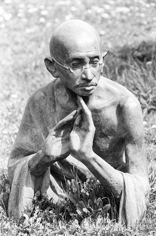 Скульптура Махатмы Ганди