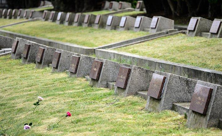 Кладбище, на котором похоронены советские солдаты, погибшие во время освобождения Польши