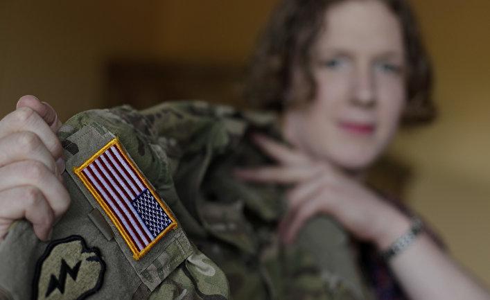 Военнослужащая-трансгендер