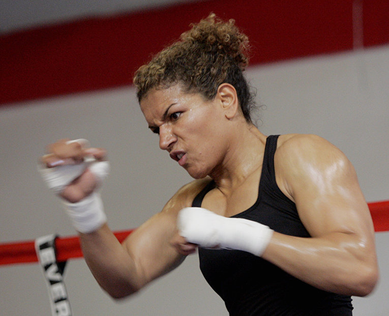 Нидерландский боксёр Люсия Рийкер