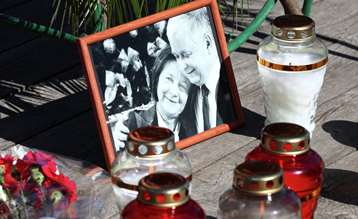 Траурные мероприятия, посвященные авиакатастрофе польского самолета Ту-154 под Смоленском