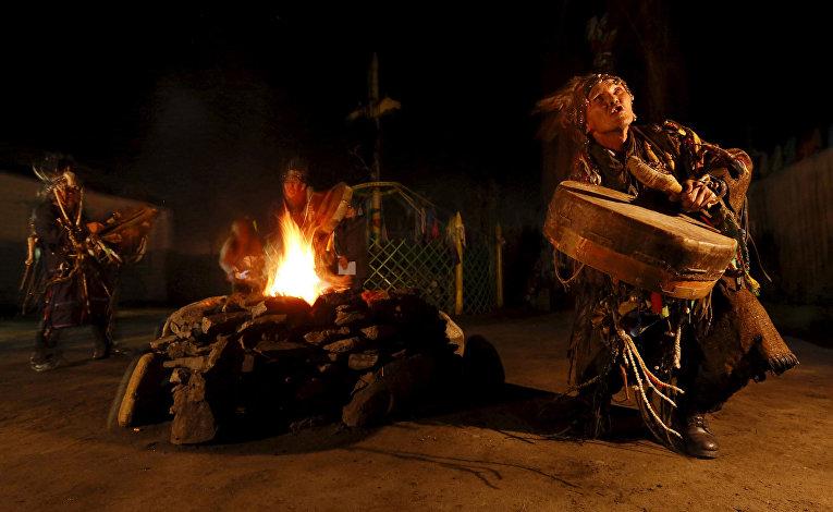 Камлание шаманов в Кызыле