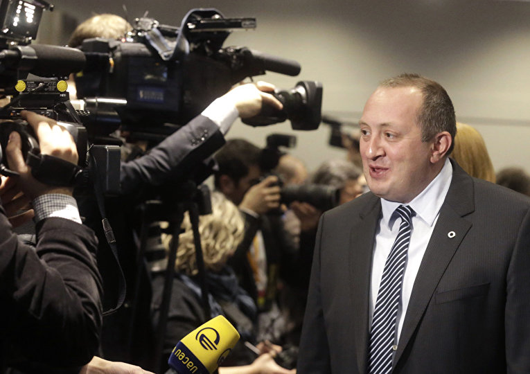 Президент Грузии Георгий Маргвелашвили общается с журналистами во время саммита Восточного партнерства в Вильнюсе