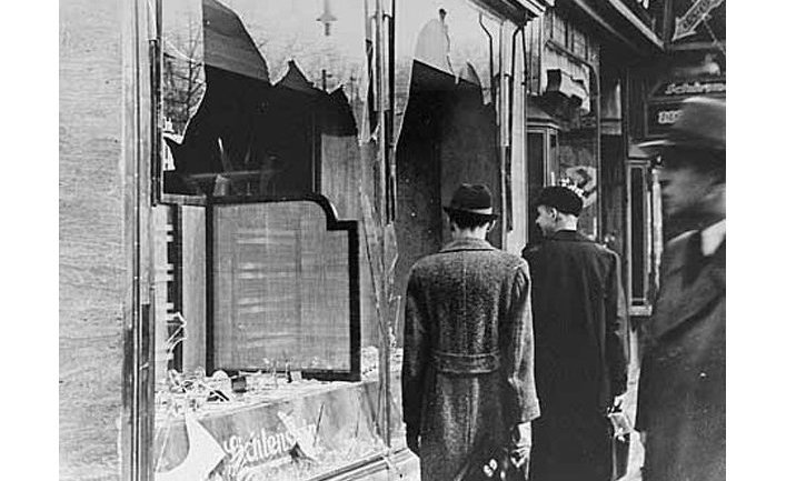 """""""Хрустальная ночь"""", прошедшая в ночь с 9 на 10 ноября 1938 года"""