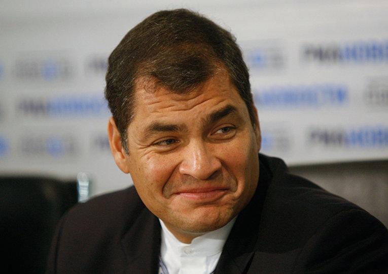 Президент Эквадора Рафаэль Корреа на пресс-конференции