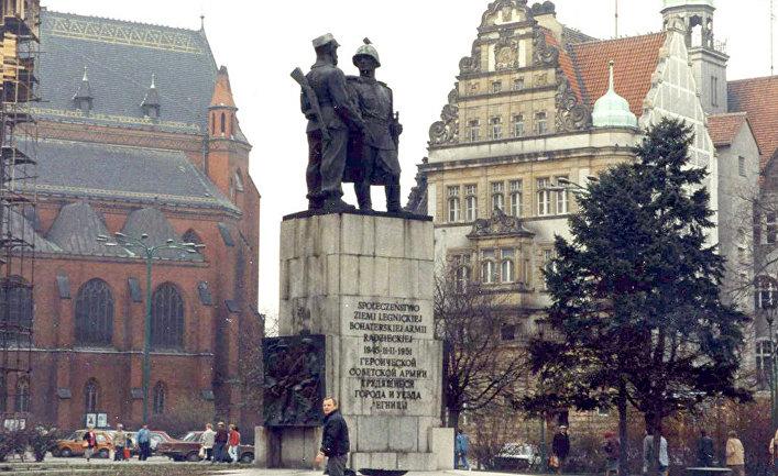 Памятник Советской армии в городе Легница, Польша