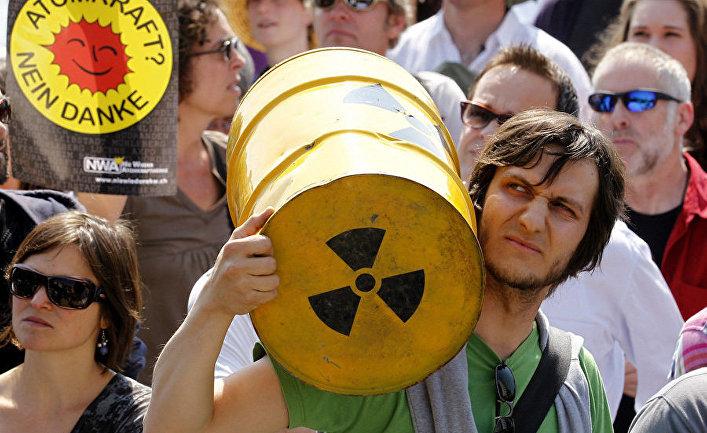 Германские демонстранты требуют отказа от ядерной энергетики