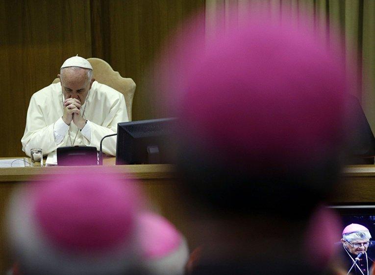 Папа Франциск во время Синода по вопросам семьи и брака