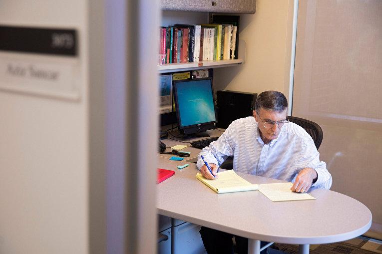 Лауреат Нобелевской премии по химии профессор Азиз Санджар