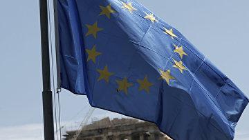 Флаг Европейского союза на фоне Парфенона