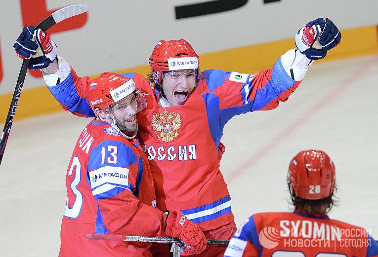 Игроки сборной России Павел Дацюк и Александр Овечкин