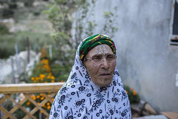 Джема Дауди, берберка из Алжира с татуировкой на лице