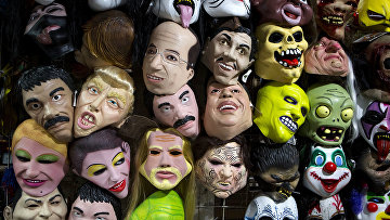 Продажа масок для хеллоуина в Мехико