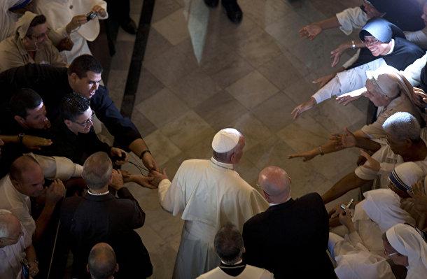 Папа Франциск перед вечерней в Кафедральном соборе Сан-Кристобаль