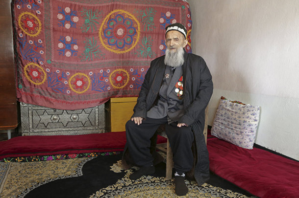Ветеран Великой отечественной войны Холик Кояжев из Таджикистана