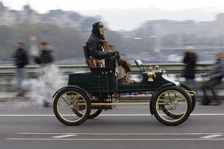 Винтажный паровой британский «Стэнли» 1903 года выпуска