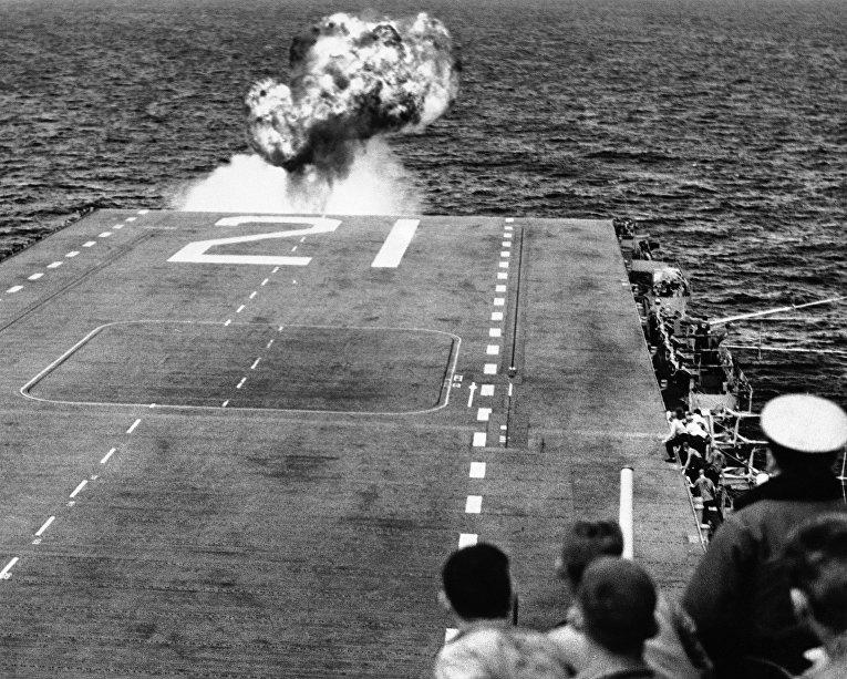 Крушение самолета во время взлета с палубы авианосца, Инчхонская операция, 12 октября 1950 года