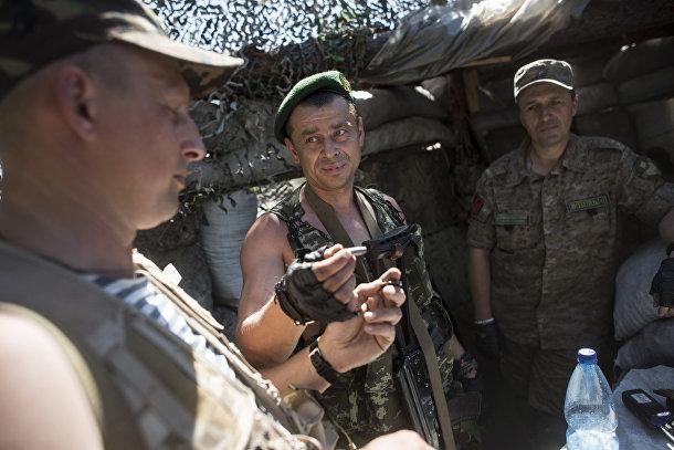 Украинские военные в селе Катериновка Луганской области