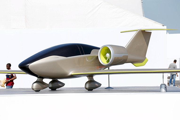 Аккумуляторный самолет Airbus E-FAN за два дня до открытия 51-го Международного аэрокосмического салона в Ле-Бурже