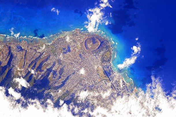 Фотография Земли, сделанные астронавтом Скоттом Келли: Гонолулу, Гавайи