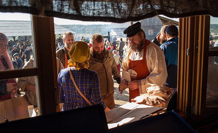 IV-я крестьянская выставка-ярмарка в Слободе Г. Стерлигова