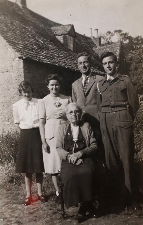 Семья Тони Колетта в 1940-е годы