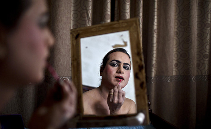Васим Акрам готовится к вечеринке, город Равалкинди, Пакистан