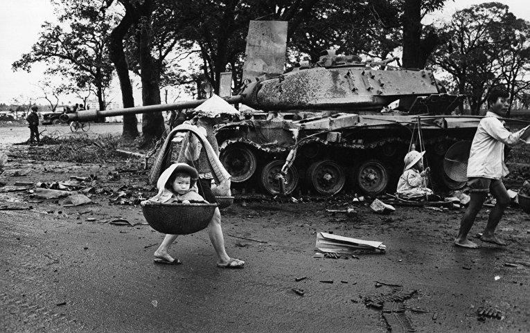 Война во Вьетнаме: беженцы возвращаются в Хюэ