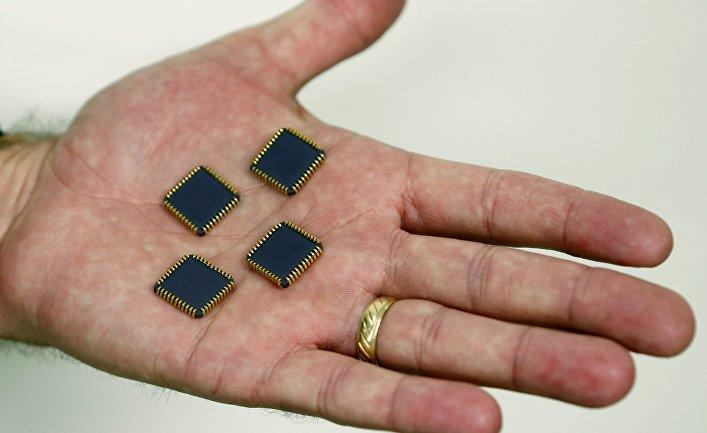 Крейг Хили демонстрирует радиационно-стойкие микрочипы