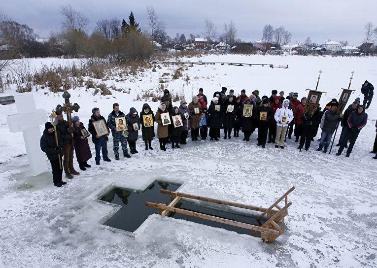 Празднование Крещения в деревне Великое Ярославской области