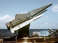 ПУ Mk. 26 с ракетой RIM-66 Standard missile (SM-2 MR) на борту крейсера USS Ticonderoga