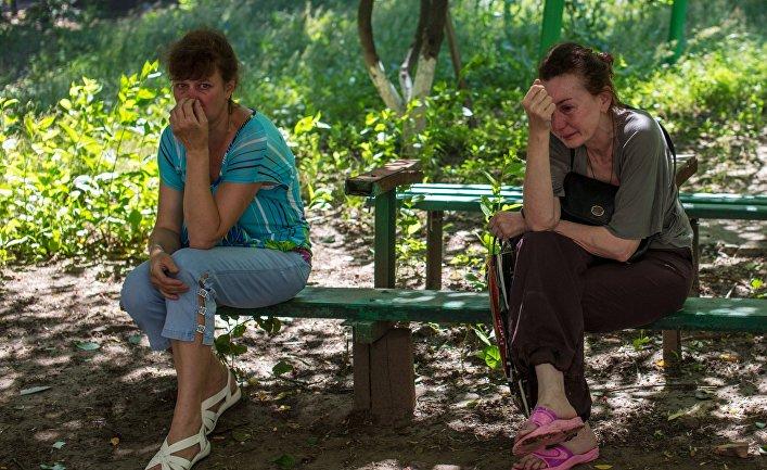 Жители Славянска после артиллерийского обстрела города