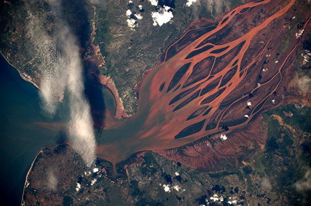 Вид из космоса на остров Мадагаскар