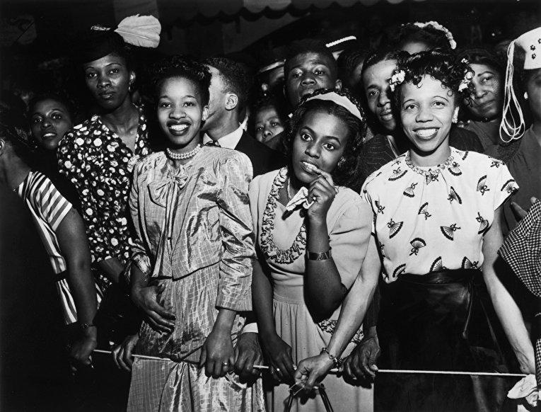 Девушки на концерте в Гарлеме, 1948 год