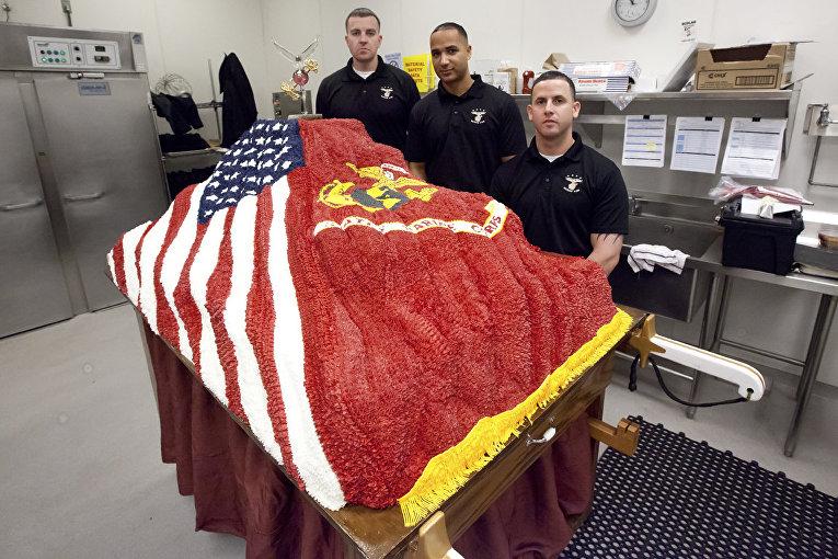 Торт к 238-го дню рождения Корпуса морской пехоты