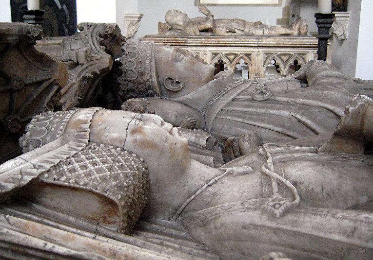 Надгробие транзи Джона Фицалана, графа Арундела
