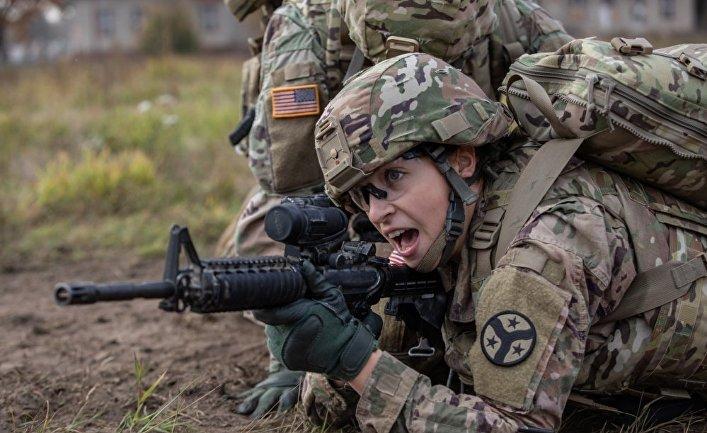 Американский военный медик на учениях в Польше