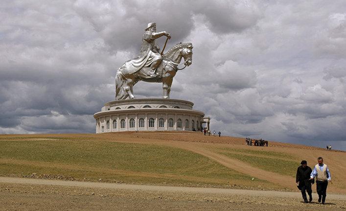 """Туристический комплекс """"Статуя Чингисхана"""""""