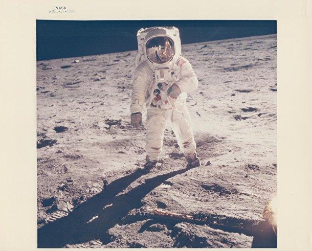 Базз Олдрин на поверхности Луны