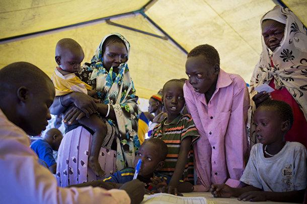 Регистрация беженцев из Южного Судана в лагере Мингкаман