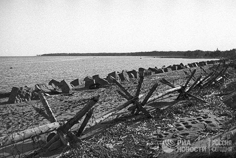 Противотанковые заграждения на приморском участке Карельского перешейка